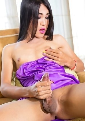 Thao ladyboy Helen sexy purple dress bareback