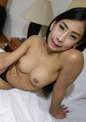 20yo smoking hot Thai ladyboy Arin gets fucked and cums with white tourist