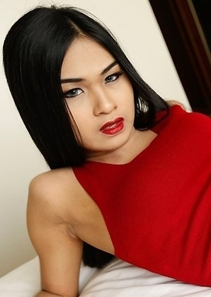 19yo smoking hot Thai ladyboy Pop gets facial after being assfucked by BWC