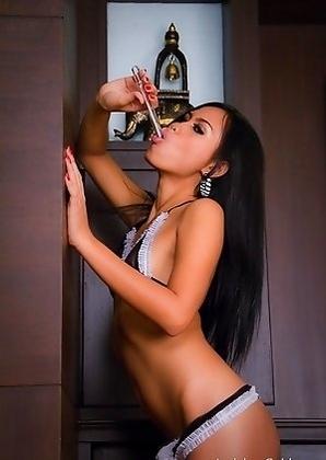 Ladyboy Ice sticks an anal thermometer deep inside