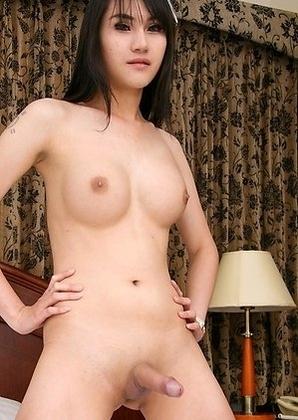 Venus is a new girl at Stringfellows, Soi Yamato.