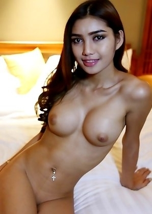 Big Boobs Thai ladyboy Wine sucks white cock dry and get cum on her hooters