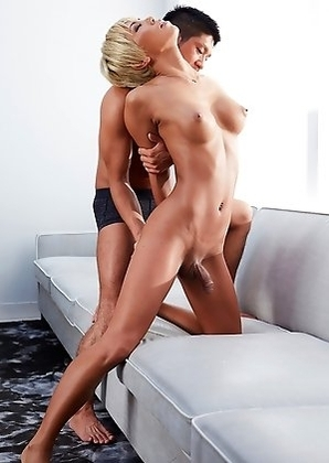 Blonde Japan tgirl Miran