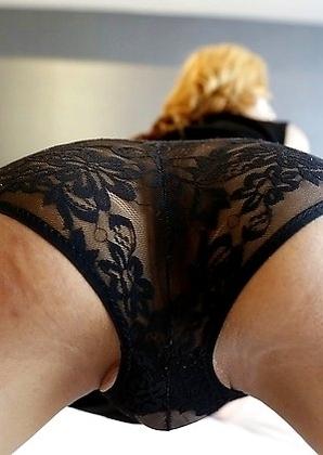 19yo horny Thai ladyboy Sunfos does a striptease for white tourist