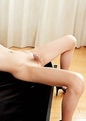 Chulin Nakazawa her hard clit fully covered with guys cum!