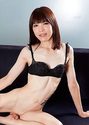 Yui Kawai display her small clit on sofa.