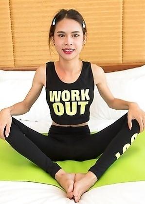 Thailand ladyboy Kitty Fitness Bareback