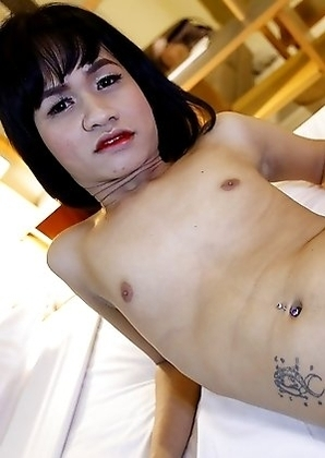 19yo petite Thai ladyboy Oei gets face fucked by white tourists dick