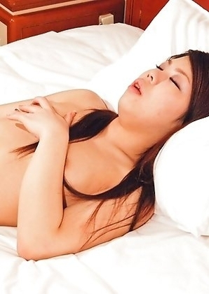 Horny 19 yo Osaka new-half Yumika loves to show off her ass and cum all over herself!