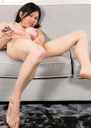 Mimi Anal Masturbation