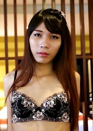 19 year old sexy and horny Thai ladyboy Noody gets a facial from white cock