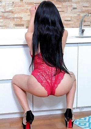 TS Filipina Kitchen Masturbation