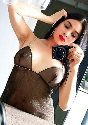 TS Filipina Hot Sexy Mirror Selfie