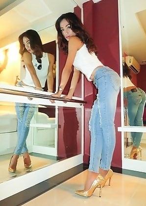 Ladyboy Namneung - Fucked in Jeans Bareback