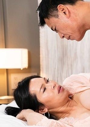 Mimi Debut Bareback Creampie Sex