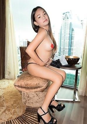 Ladyboy Bai Thong - Buzzing Vibe Orgasm
