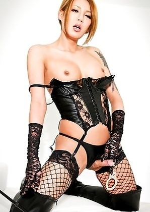 Rui Matsushita is a hot newhalf who is new to Shemale-Japan.