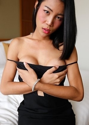 21 year old sexy Thai Cartoon cums with with tourist